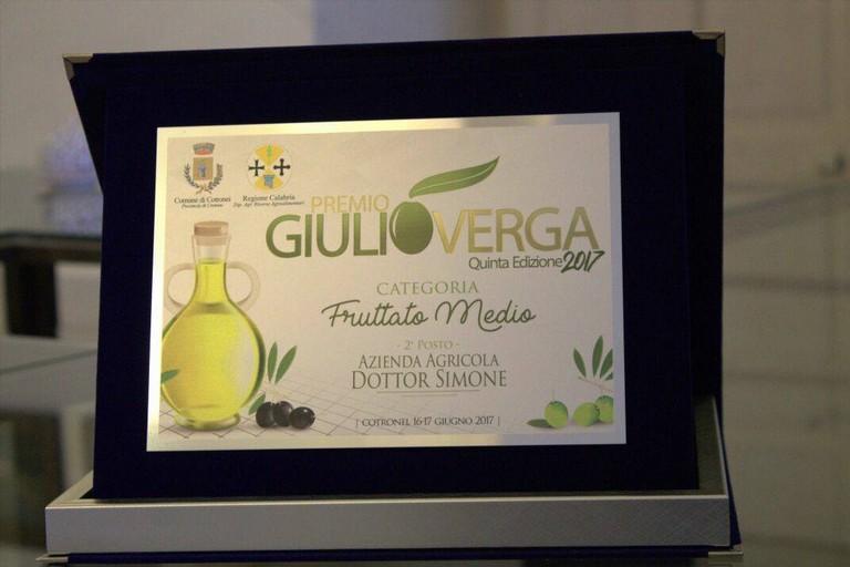 """L'olio del frantoio Simone vince a Cotronei il premio """"Giulio Verga"""